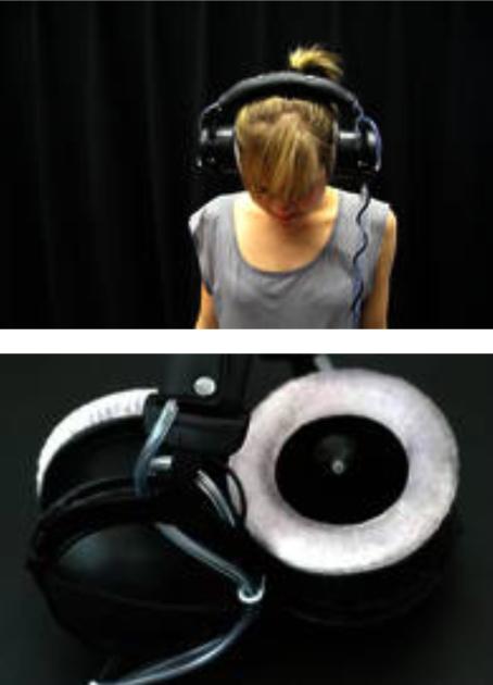 Muschelrauschen 2011 Komposition mit Klang und Luft, Modifizierter Kopfhörer Composition with sound and air, modified headphones Courtesy the artist